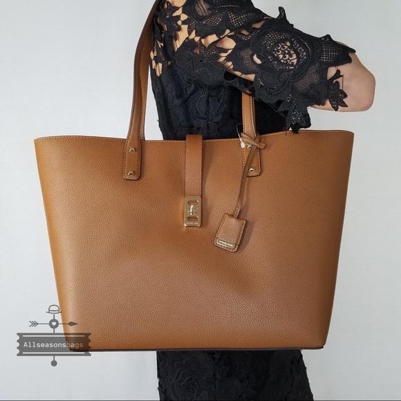 d500b0e634b5 Michael Kors Karson Large Carryall tote Luggage